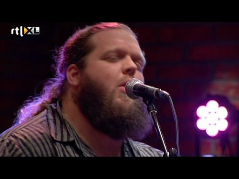 Matt Andersen treedt op in VI - VOETBAL INTERNATIONAL