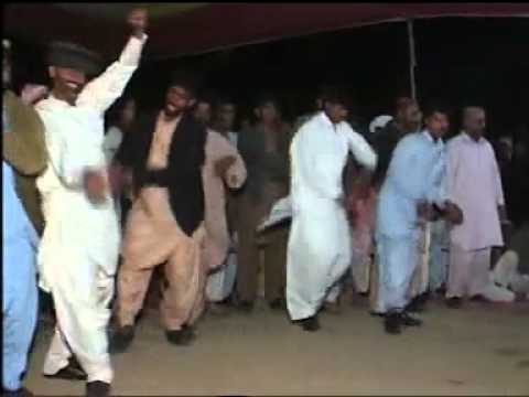 Saraiki Jhoomar(dance).....flv video