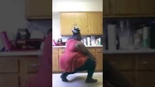 Moti ladki ka dance kamal ka