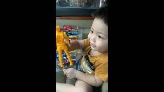 Bé mua đồ chơi siêu nhân : 6 siêu nhân 6 màu cho bé học nhận màu sắc