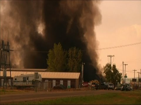 Raw: Massive Fire Burns in North Dakota Town