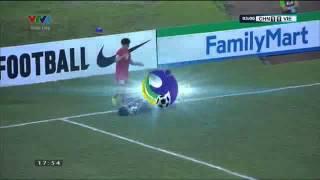 Công Phượng sút bể mặt thủ môn Tàu