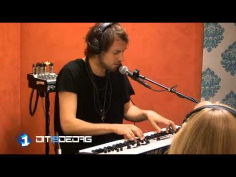 Kensington - Ghosts (acoustic) - Radio 1
