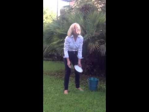 #IceBucketChallenge: il Ministro Giannini accetta la sfida