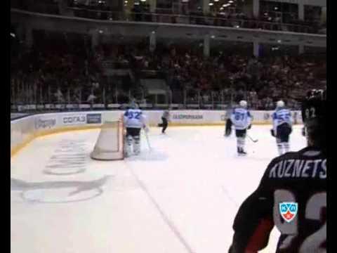 Трактор наступает! КХЛ.The Traktor comes! KHL.wmv