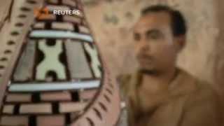 حرفيون مصريون يحرصون على استمرار إنتاج الفخار والخزف يدويا