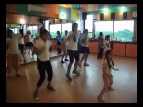 Thug Le ( Ladies vs Ricky Bahl ) dance performance by step2step...