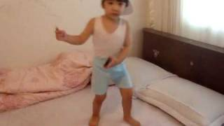 【SHINee Hello Baby Yoogeun】〖100604〗dancing to Ring Ding Dong Part 1