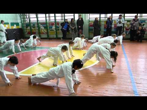 Экзамен на белый пояс по карате