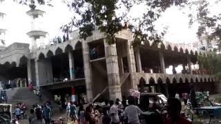 টাঙ্গাইলের গোপালপুর থানার পাথালিয়া গ্রামে নিরমানাধিন বিক্ষাত মসজিদ।