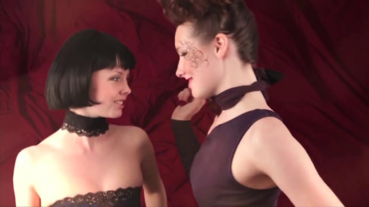 devushka-gromko-konchaet-video