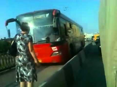 ZA-Auto.ru – Казанский автобус на пешеходной дорожке
