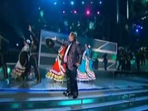 Juan Gabriel y su Gran Imitador Ronald Hidalgo - Para que me haces llorar