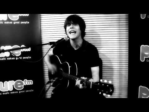 "Pure Fm : JAKE BUGG  ""Seen it all"" Acoustic (HD)"