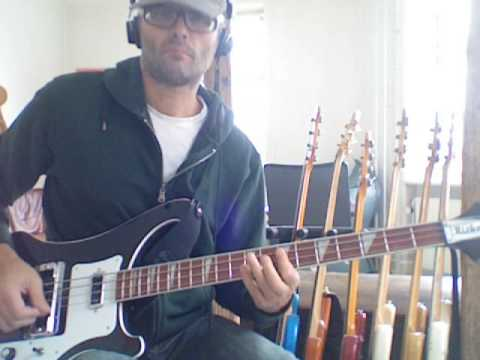 L218 Heavy pentatonic bass w chromatic notes