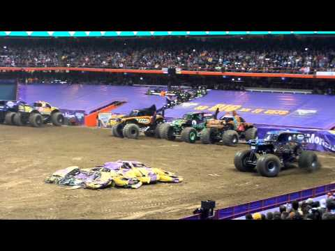 Son Uva Gravedigger Freestyle  - Monster Jam 2014 - Syracuse NY - 3/8/14
