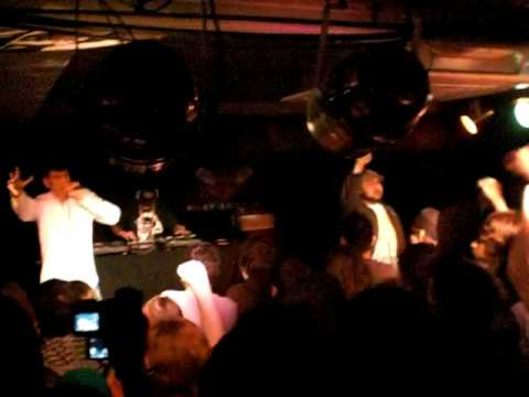 Ugly Duckling - La Revolution / Everybody C