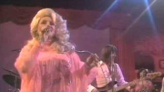 Watch Dolly Parton Getting In My Way video