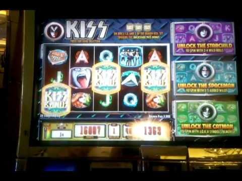 Kiss slot machine bonus round. Venetian Las Vegas. Dec 2012