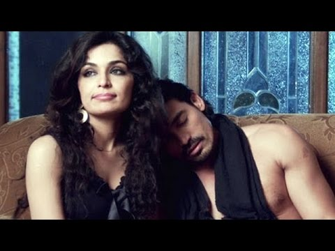 Pakistani Actress Meera's Hot Scene In 5 Ghantey Mein 5 Crore video