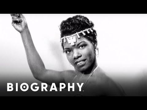 Maya Angelou - Mini Bio