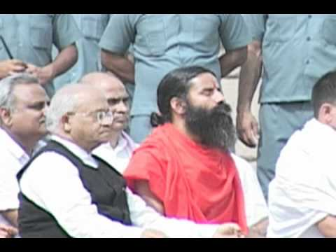 Baba Ramdev and Anna pays homage to Mahatma by  www.stuff2india...