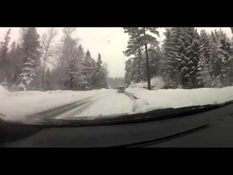 Авария на скользкой дороге и эмоциональный водитель