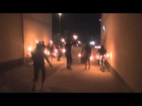 Bahrain - Angry demonstrators attacking riot police Sitra