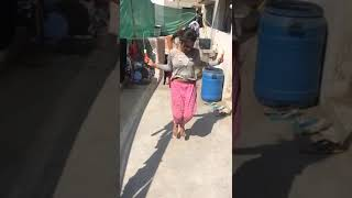 কচি মেয়েটা জামা খুলে দুধ বের করে দিল