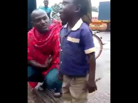 (1.02 MB) Tazama Mtoto alivyomshitaki babayake Kwa kutaka kuuza shamba huko kigoma.