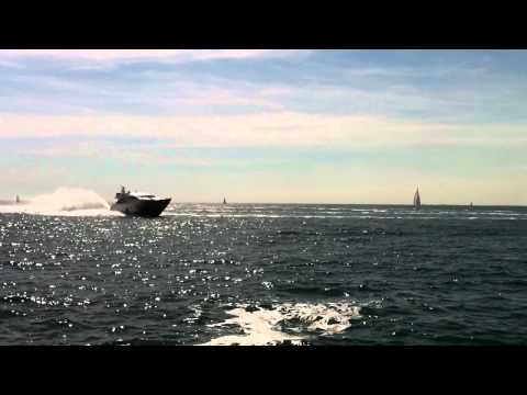 Amazing Pershing boat top speed video