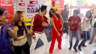 Alia Bhatt Varun Dhawan Groove To Badri Ki Dulhania At Starvaarwithbkd