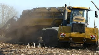 TerraGator 3244 6-Wheeled Monster Intjecting Slurry on Dusty Field | Danish Agriculture
