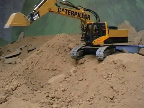 Excavadora hidraulica rc en Tracker