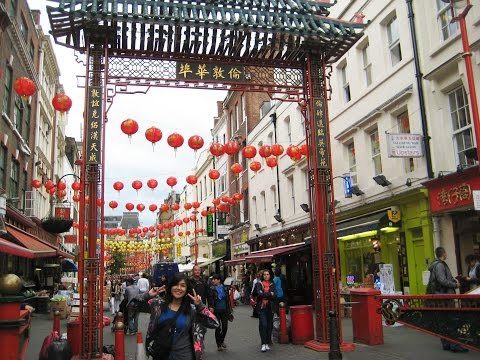 9 minutes in Londons busy Chinatown - Gerrard Street