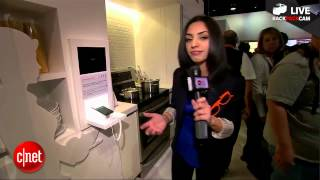 Sharon Vaknin tours the LG booth at CES 2013