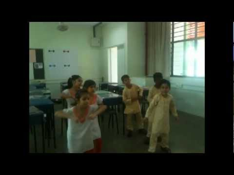 Ghode Jaisi Chaal Bollyone Singapore 2011.wmv video