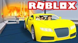 Car Crushing Carnage! Roblox Car Crushers 2