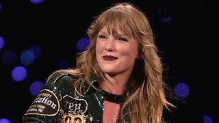 Taylor Swift Gets STUCK Mid-Air in Concert + Couple Gets ENGAGED at Meet & Greet