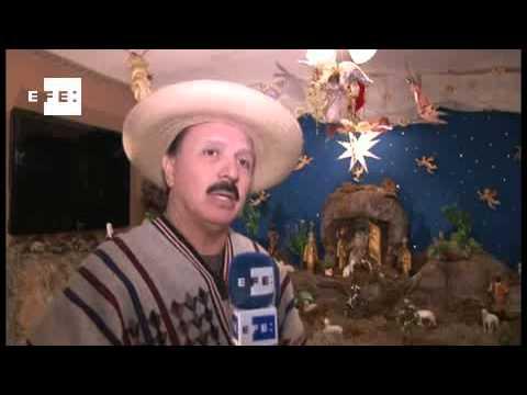 Artista promueve nacimientos navideños para preservar las tradiciones latinas