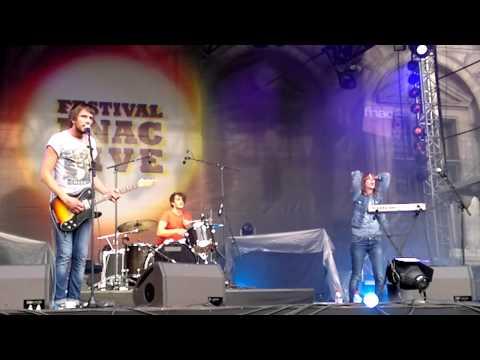 Oh La La! - Run DMC - It s like that - Festival Fnac live - Paris, rebelles - 23 juillet 2011.mp4