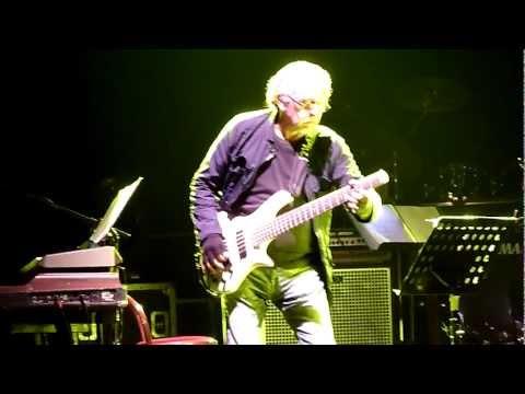 """PFM e Antonella Ruggiero – """"Maestro della Voce"""" – Live Vicenza 05.10.2012"""