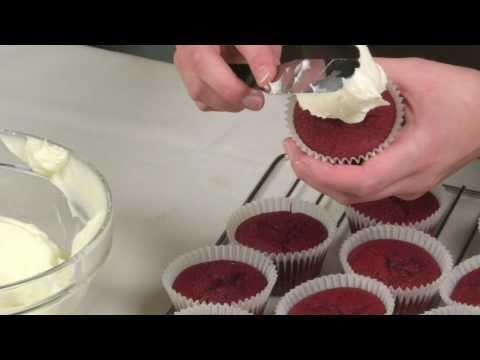 The Hummingbird Bakery Cake Days - Red Velvet Cupcakes