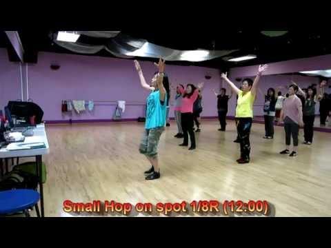 Little Apple【小苹果】~ Winnie Yu - Phrased Inter. Line Dance (dance & Walk Thru)  Wednesday Class video