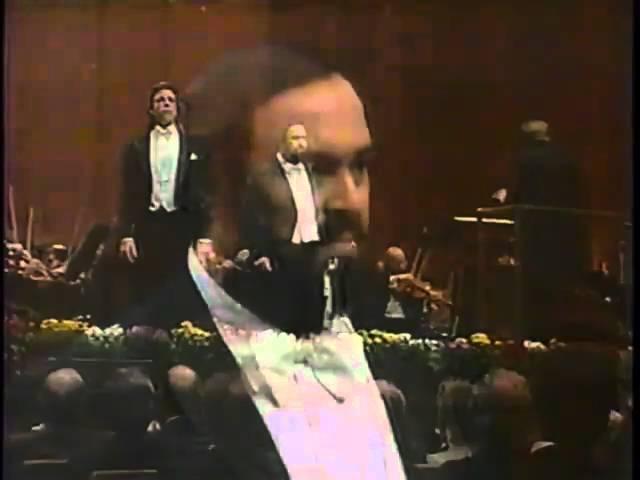 Luciano Pavarotti and Thomas Hampson