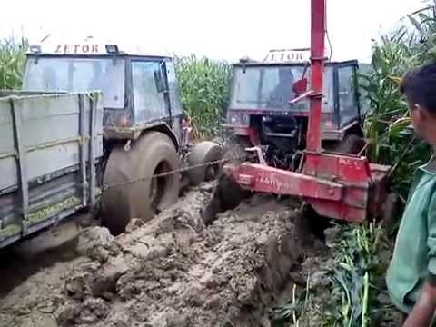 Zetor 7745 I Zetor 7245 Siliranje stuck in mud 2014