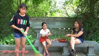 Mẹ Ghẻ Con Chồng - Xin Hãy Yêu Thương Những Đứa Trẻ Bất Hạnh - MN Toys Family Vlogs