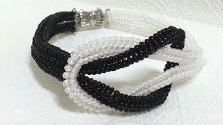 "Черно-белый браслет из бисера ""Инь Янь""/Black and white bead bracelet ""in Yan"""