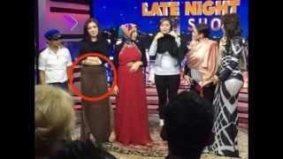Heboh!!! Bella Shofie Pakai Rok Transparan Pamer CD di Acara TV Live!