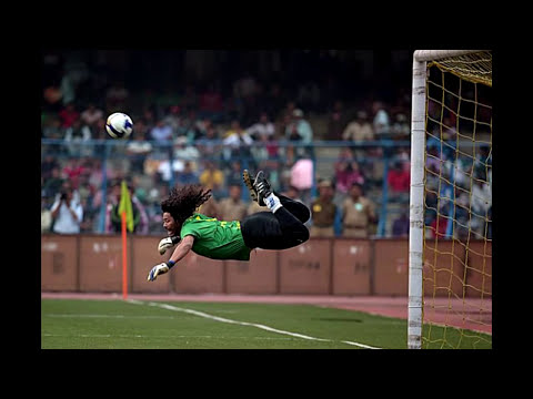 Rene Higuita recreates SCORPION KICK at 46 Years of age